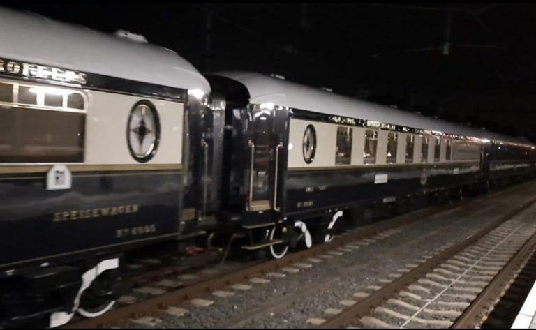 Oriënt Express raast in de nacht door Zuidplas en Gouda (+video)