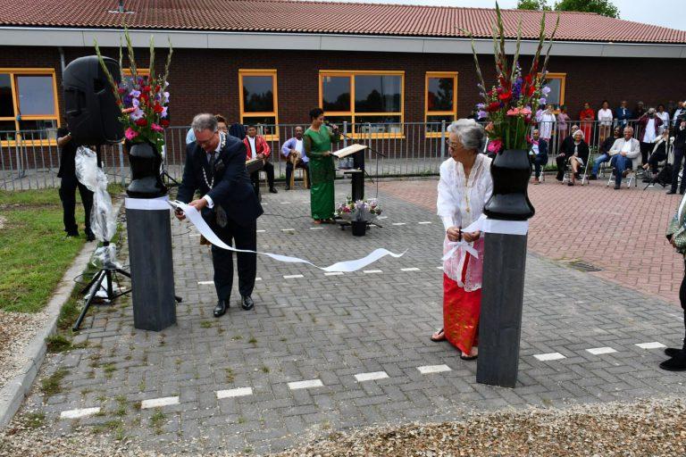 Tentoonsteling 'in twee werelden – Molukkers in Nederland' geopend door eerste bewoner Molukkenwijk Moordrecht