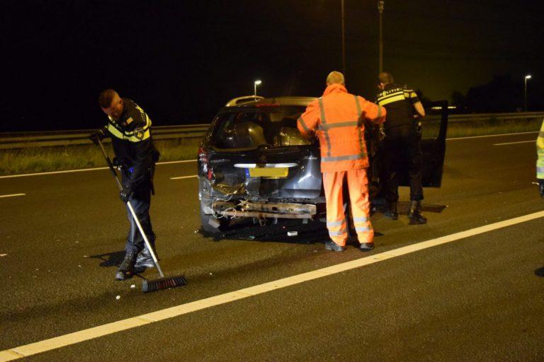 Drankrijder ramt auto op A12 bij Zevenhuizen
