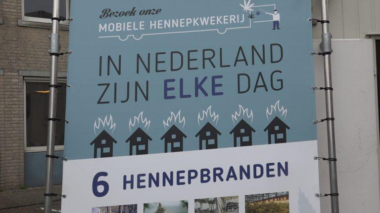 Hennepgeur op Raadhuisplein in Nieuwerkerk