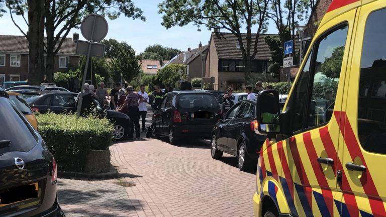 Schade bij aanrijding twee auto's van Beethovenlaan Nieuwerkerk