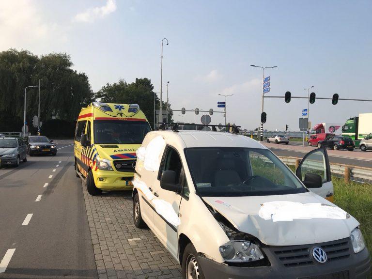 Drie auto's betrokken bij ongeval op Zuidplasweg (N219)