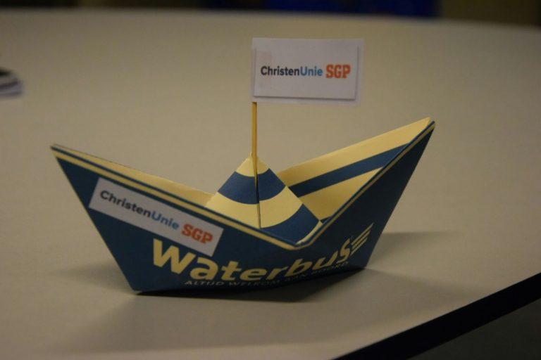 ChristenUnie-SGP vraagt op spetterende wijze aandacht voor waterbus in Zuidplas