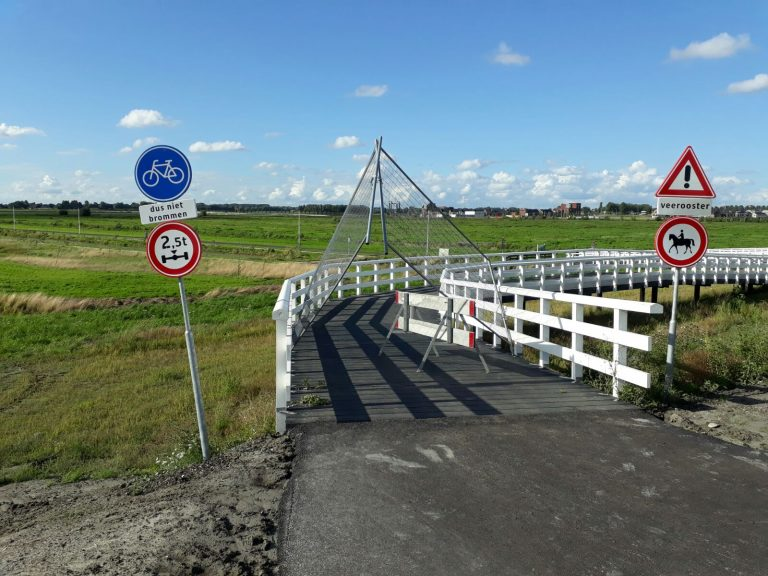 Moordrechtenaren openen zelf fietspad tot GroenBlauwe zone
